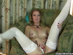 American milfs Lacy and Lilli love wearing nylon stockings