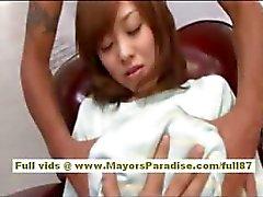 Mihiro Chinese vastgebonden terwijl ze geplaagd met een vibrator