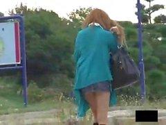 Asiatiche Diciottenni Upskirt - Perizoma in Di Fuori Dei The Right Place ha permetterci di vedere il culo e del Pussy 5