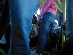 loira gostosa jeans onibus 2