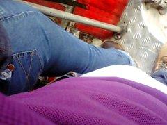 encoxada arrimon mature bbw jeans parte 1