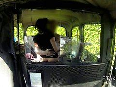 Truffato bambina inglesi fottuto da dietro al di falsa Taxi