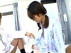 Cute Япончика блядь займет два петуха в Больничном 420