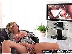 Del giocattolo masturbating suocera britannico
