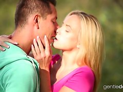 Erotic blonde with natural tits enjoys an incredible