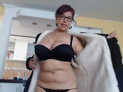 Kinky housewife with glasses reveals her amazing curves on