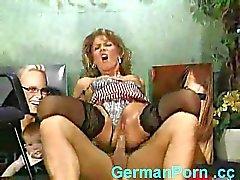 Sexy Duitse baas neuken werknemer