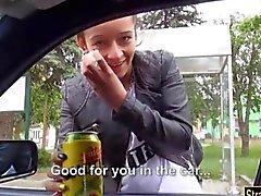 Жесткие подросток Ванесса Родригеса костяком на машине