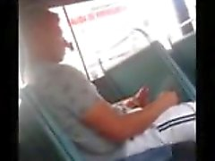 Huge di Dick Caught on degli autobus