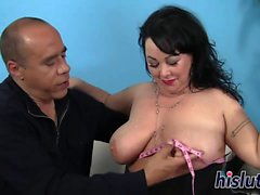 Fat bitch has her juicy snatch pummeled