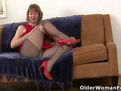 Milf americana Dee Williams le dita la figa affamata
