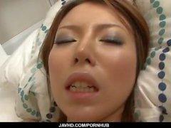Di rino Asuka divora cazzo in bocca prima del rapporto sessuale ruvido