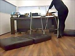Amatör Curvy Milf besök vän på kontoret