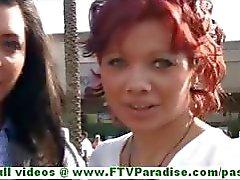 Rita och Madeline het brunett lesbiska kvinnor offentliga blinkande bröst