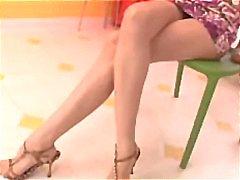 Asian girl Lea De Mae leva dois galos para fazê-la feliz porra