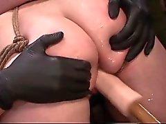 Atados de lesbo penetrada con consolador y dedos