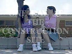 Vanessa Chase & Rebecca Lord la construction de Gangbang