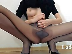 Hot 18yo girl undress in front of mirorr