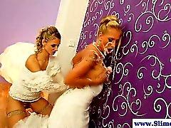 Lesbians Gloryhole consiguiendo bukkake junto