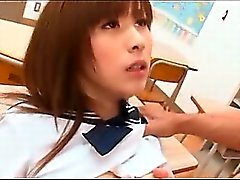 Koleji Asian hottie sikikleri ve sınıfında bir satır musluklar berbat bir şey