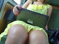 Rock geschaut trainieren Gelbes Kleid 1