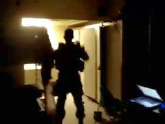 Str8 Army Guy Stiptease siinä Kasarmi