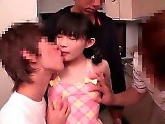 Japanese Küçük Kız 147cm Hesaplanan Lanet döndürür