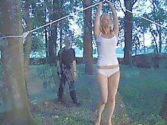 De bichano slavegirl vibradora de bondage libertados para um blowjob