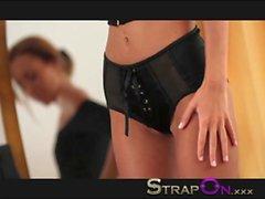 Strapon Sexy brunnete babe pegging her boyfriend