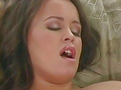 Chunky whore Brandy Taylor lollipops on a meaty cock pleasing her man