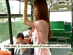 Rio asiatiche babe teen di ottenere la figa peloso accarezzò in autobus