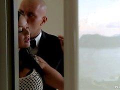 Die unverschämte Black Angelika und ihr Freund Fick Während Voyeurs Uhr