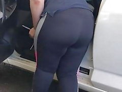 Car wash bbw yoga pants no see thru no vpl but insee