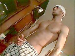 Svart dude spanking apan