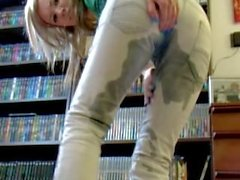 Faye X peeing her jeans
