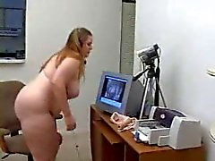 Chubby Nainen masturboi For Her Webcam Show - Derty24