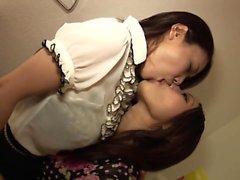 Belo Kiss Throat Obscenity Lesbian Crazy