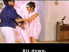 Indiano celeb Kareena Kapoor mostrando suas costas nuas