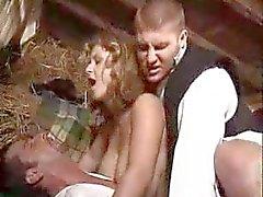 Villaggio ragazza fottuto da due uomini - xturkadult com