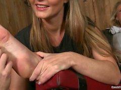 Tsekki jalka kutittamiseen - Tickled jalkaa Annie