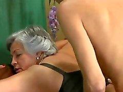 Sexo en grupo con el las mujeres maduras - el 7