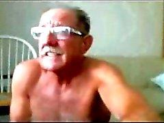 Bir çaresiz kokmuş poker Jolly eski twink horoz dışarı kamçı