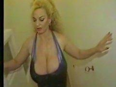 Groß Titty Omi