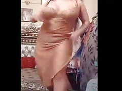 Ass and tits shake and dance by arab maroc