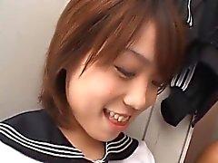 Asya schoolgirl cumsh ilişkin kapat up içteki double blowjobs göre
