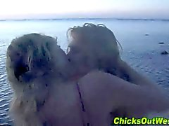 Aussie whore cummed on at the beach