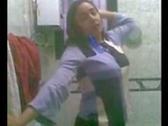 Egyptian Hot Women Show Her Body In Bathroom