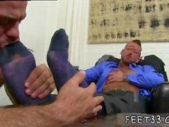 Vertreibt reife Männer mit großen Beine und Schwanz movietures xxx