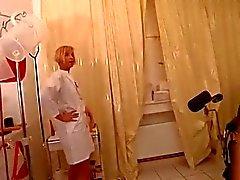 Assplay - Strapon Sairaanhoitajan antoi hänelle Peräsuoli kokeen