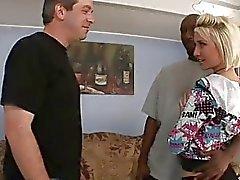 Proxy Paige schaut ihr Ehemann Saugen Sie